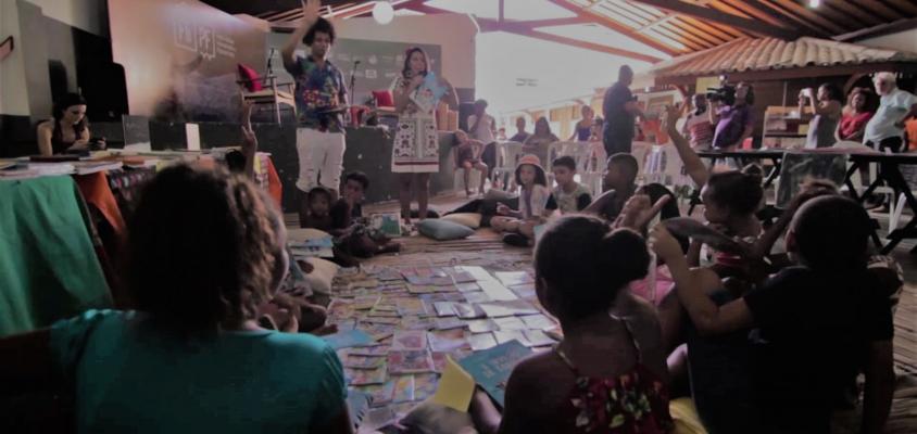 A FLIPF - Festa Literária Internacional da Praia do Forte anuncia data da 2ª edição e realiza com a comunidade local ação no Dia Nacional do Livro