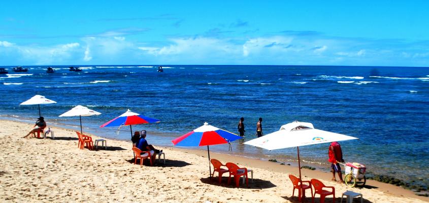 Comércio e restaurantes em Praia do Forte passam a funcionar até as 21h30 e toque de recolher será as 22h