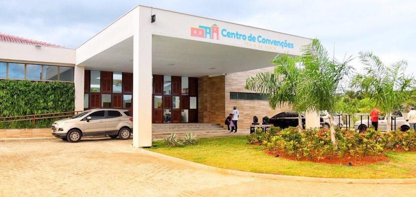 Comunidade prestigia em peso inauguração do  Centro de Convenções da Praia do Forte