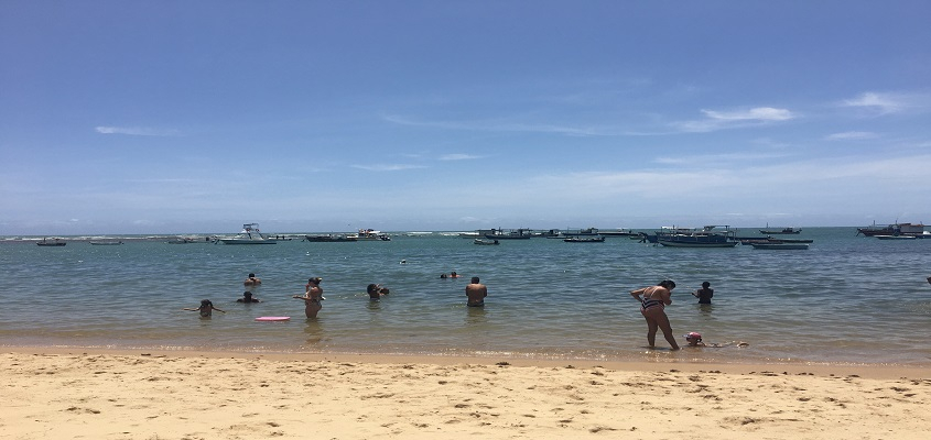 Iniciativa Praia Monitorada auxilia turistas que programam viagem para Praia do Forte