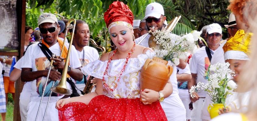 Praia do Forte: últimas vagas para hospedagem no Carnaval 2020